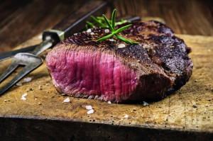 txn-p. Das Fleisch argentinischer Weideochsen unterliegt strengen Qualitätskontrollen. Dank der artgerechten Haltung auf Naturweiden ist es zart und sehr aromatisch. txn-Foto: fotolia/fleisch24.de