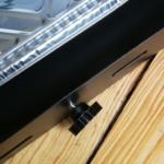 Montage der Griffe für die Schubladen des BBQ Grillmaster Volt