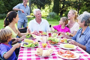 txn-p. Damit der gemütliche Grillabend ein voller Erfolg wird, sollte nur hochwertiges Fleisch wie beispielsweise Steak von irischen oder südamerikanischen Weideochsen auf den Tisch kommen.